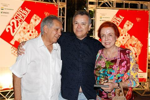 Luiz Carlos Barreto, festival president Wolney Oliveira and Lucy Barreto during the homage